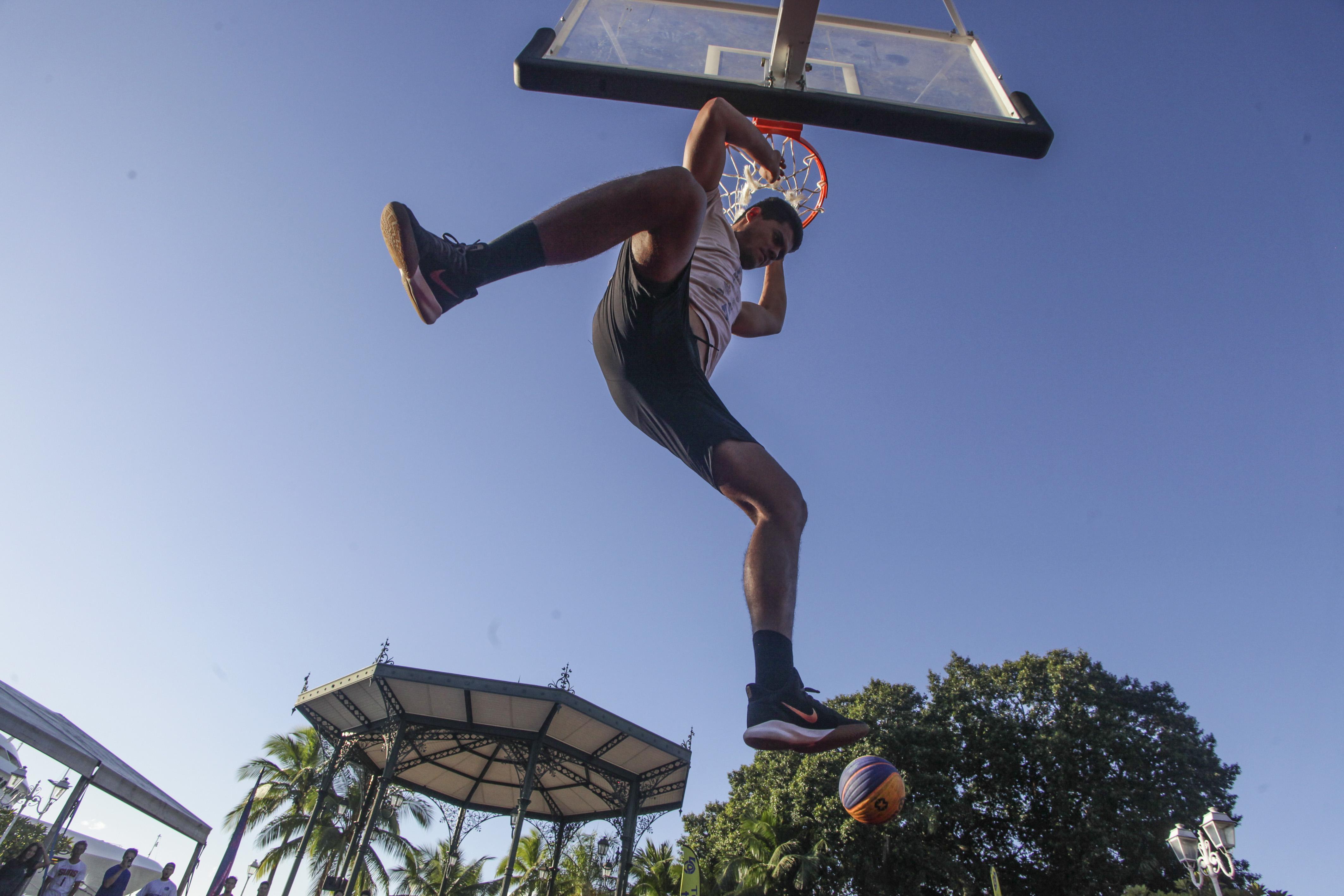 Un concours de dunk était également au programme de la journée.