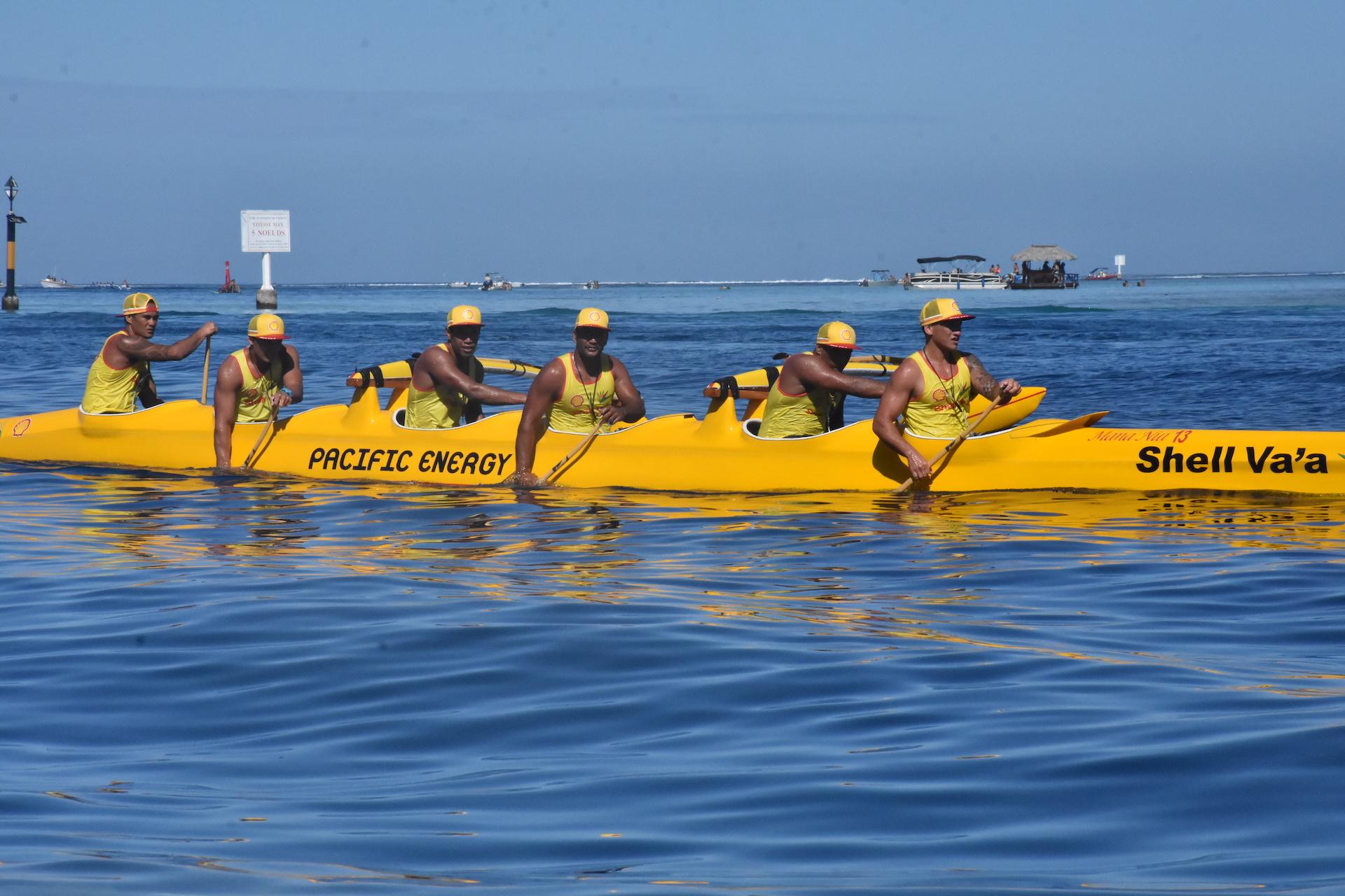 Shell Va'a a pu apporter ses dernier réglages lors de la VIP Race le 1er août.