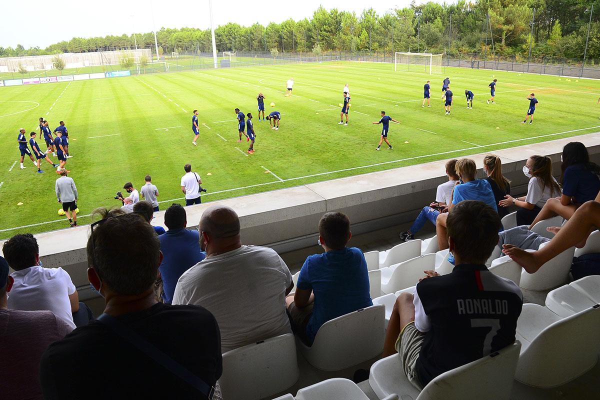 Foot: Marseille frappé par le Covid, le coup d'envoi du championnat de France chamboulé
