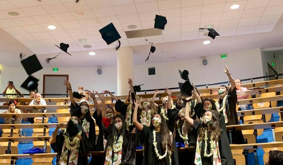 Quinze nouveaux diplômés pour l'École de Commerce de Tahiti