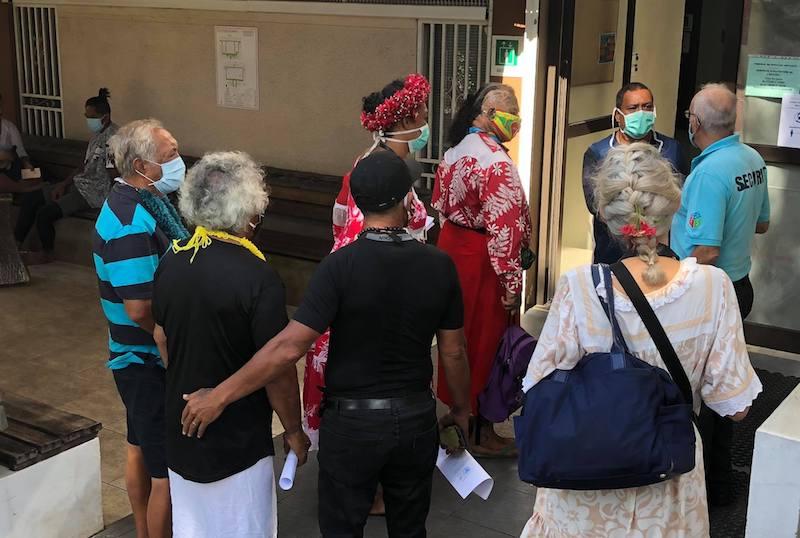 Le Polynesian Kingdom enjoint de quitter le marae Arahurahu