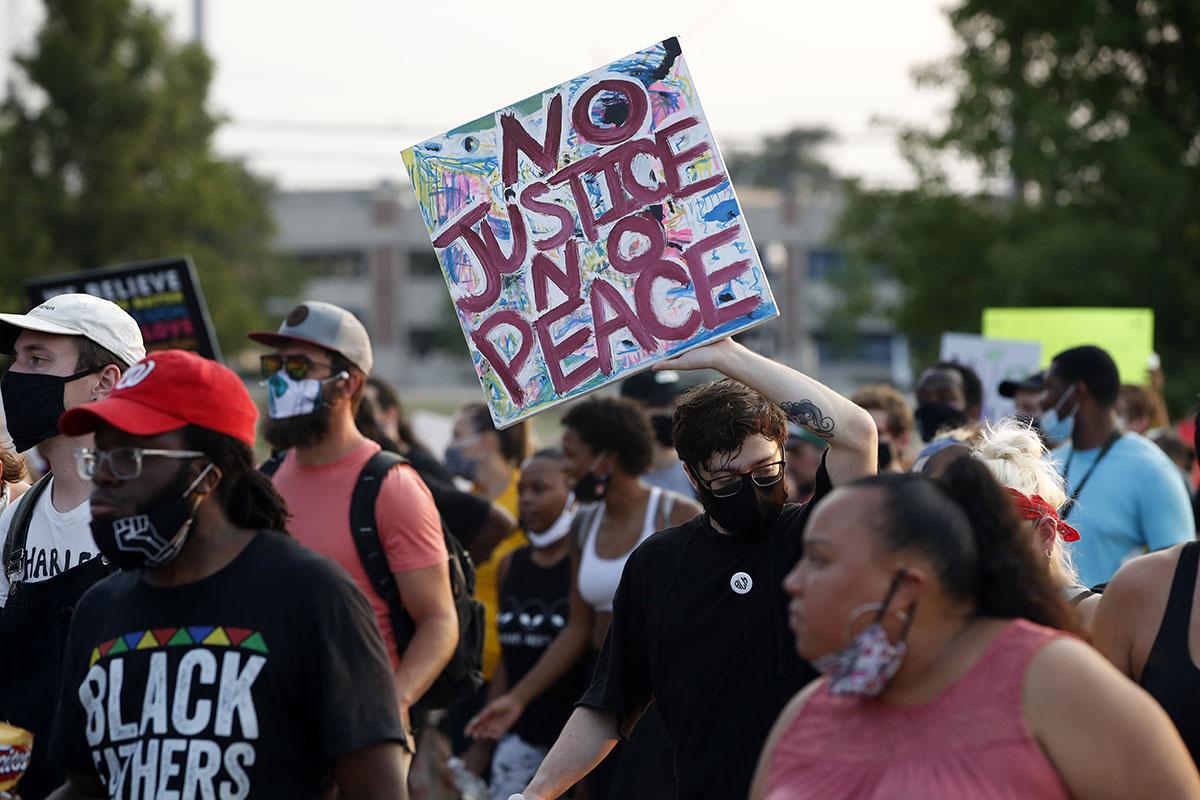 La colère grandit aux Etats-Unis après une nouvelle bavure apparente de la police