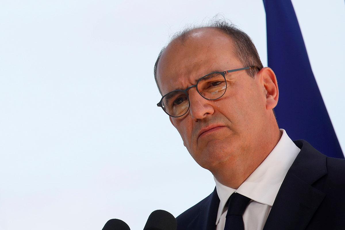 """Au front contre le Covid-19, Castex appelle les Français à """"l'esprit de responsabilité"""""""