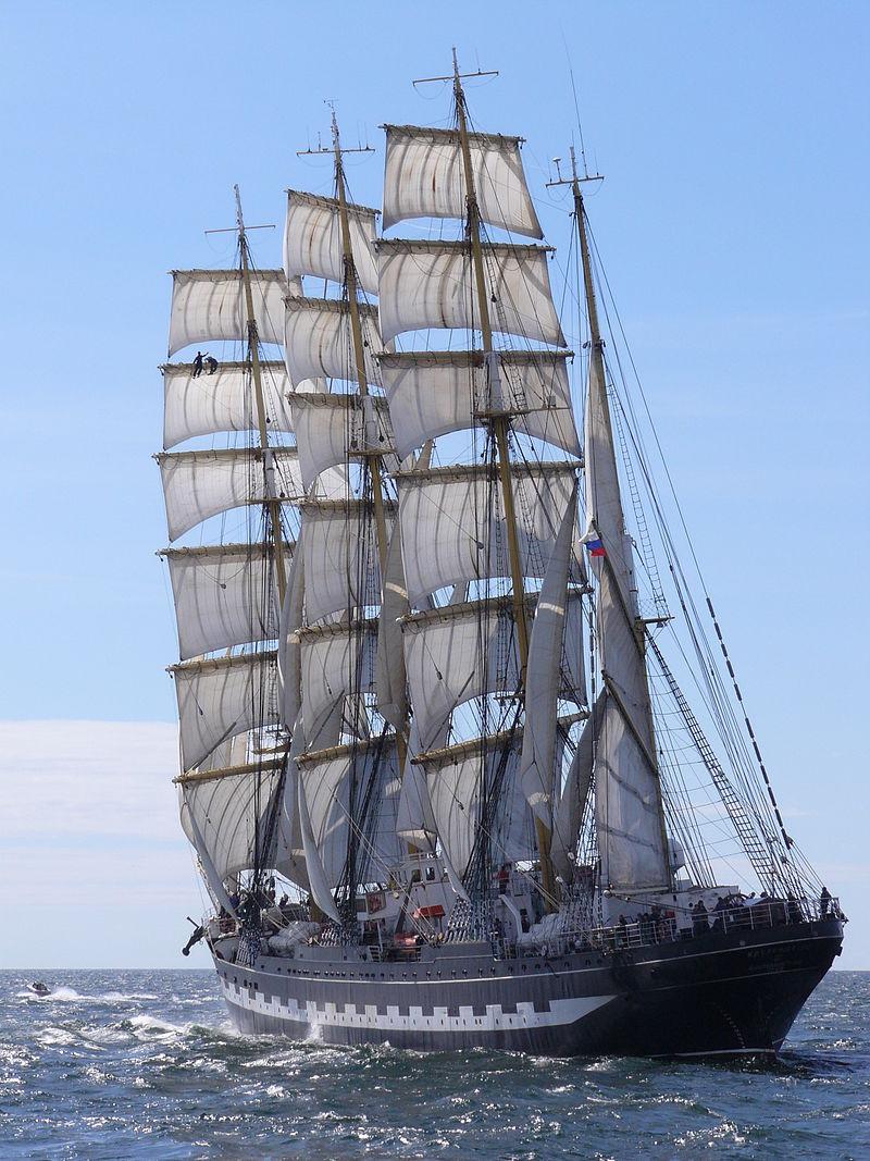 Le Krusenstern est un quatre-mâts barque, l'un des plus beaux voiliers du monde. Construit en Allemagne en 1926, alors baptisé Padua, il a été donné en 1946 à l'URSS au titre des dommages de guerre et rebaptisé du nom de l'explorateur russe.
