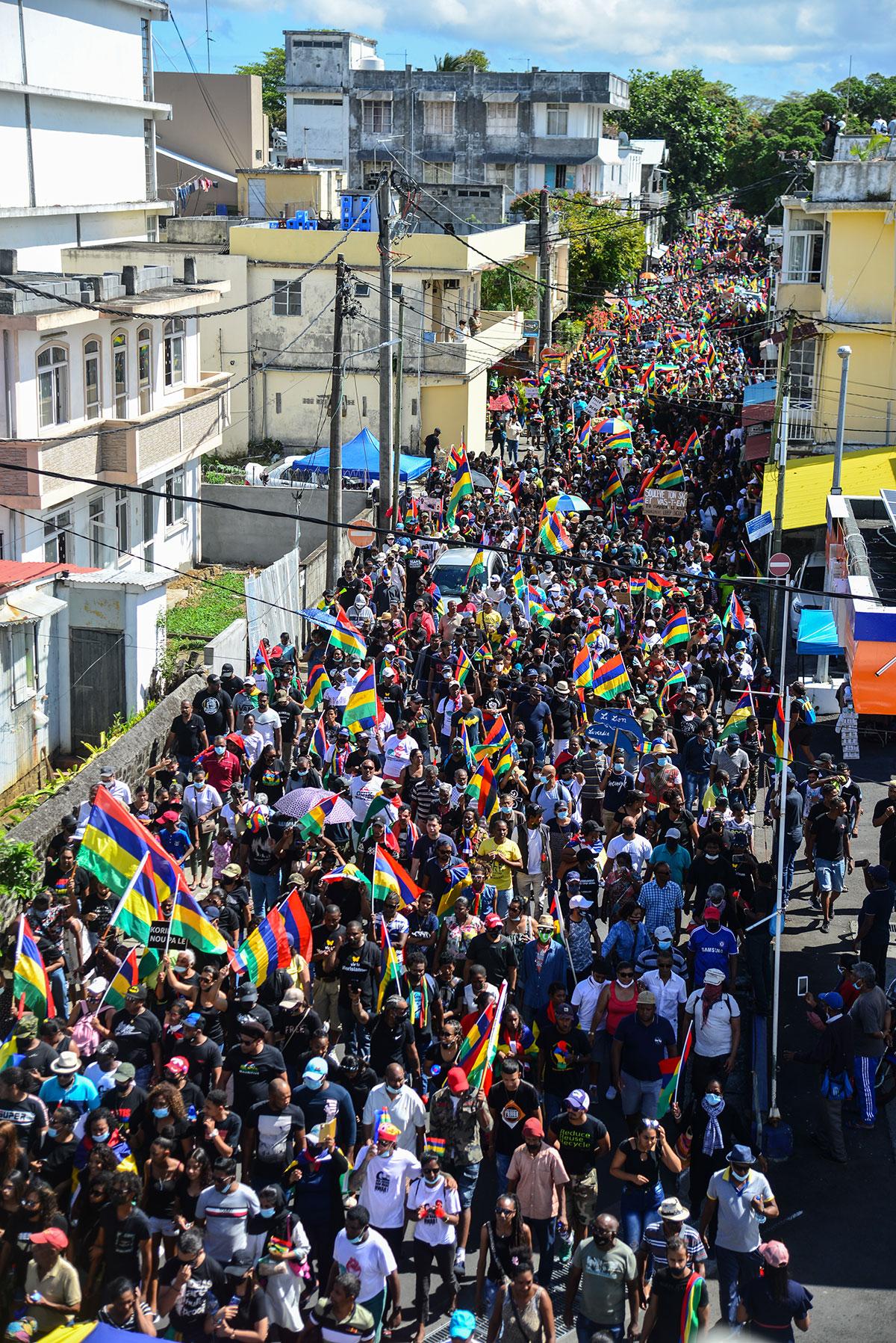 Maurice: nouvelle grande manifestation contre la gestion de la marée noire