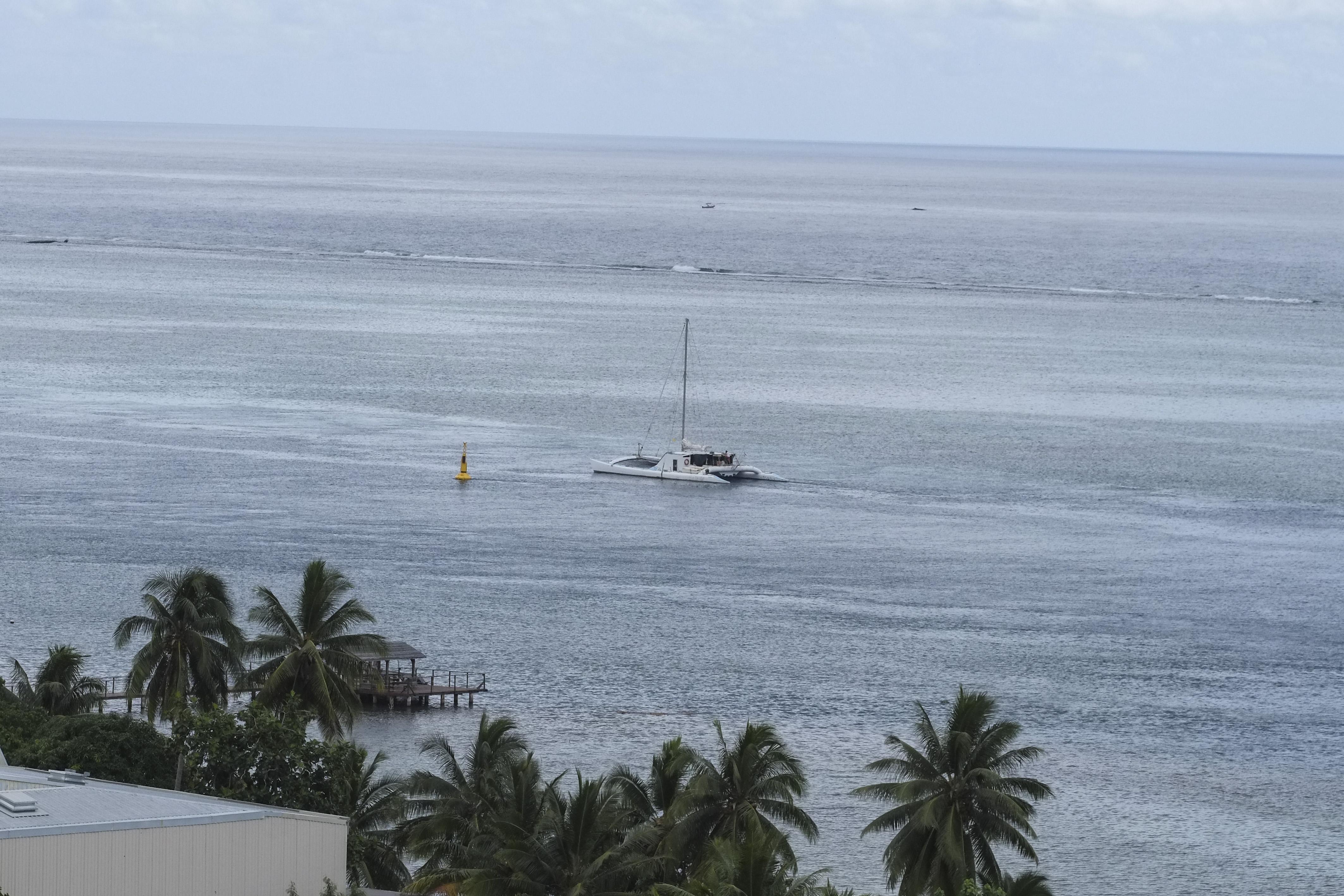 Le maxi-catamaran Jet France est arrivé à Tahiti