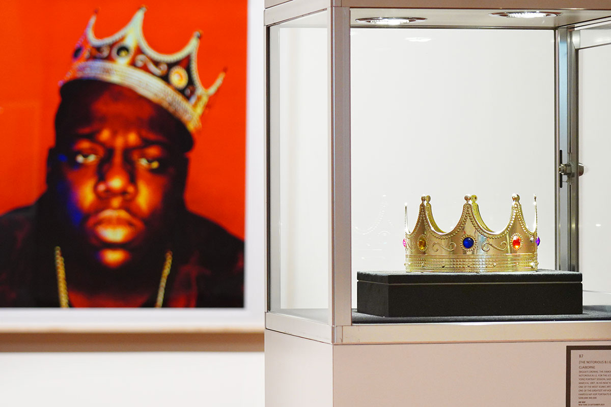 La couronne en plastique à 6 dollars du rappeur Biggie vendue 595.000 dollars