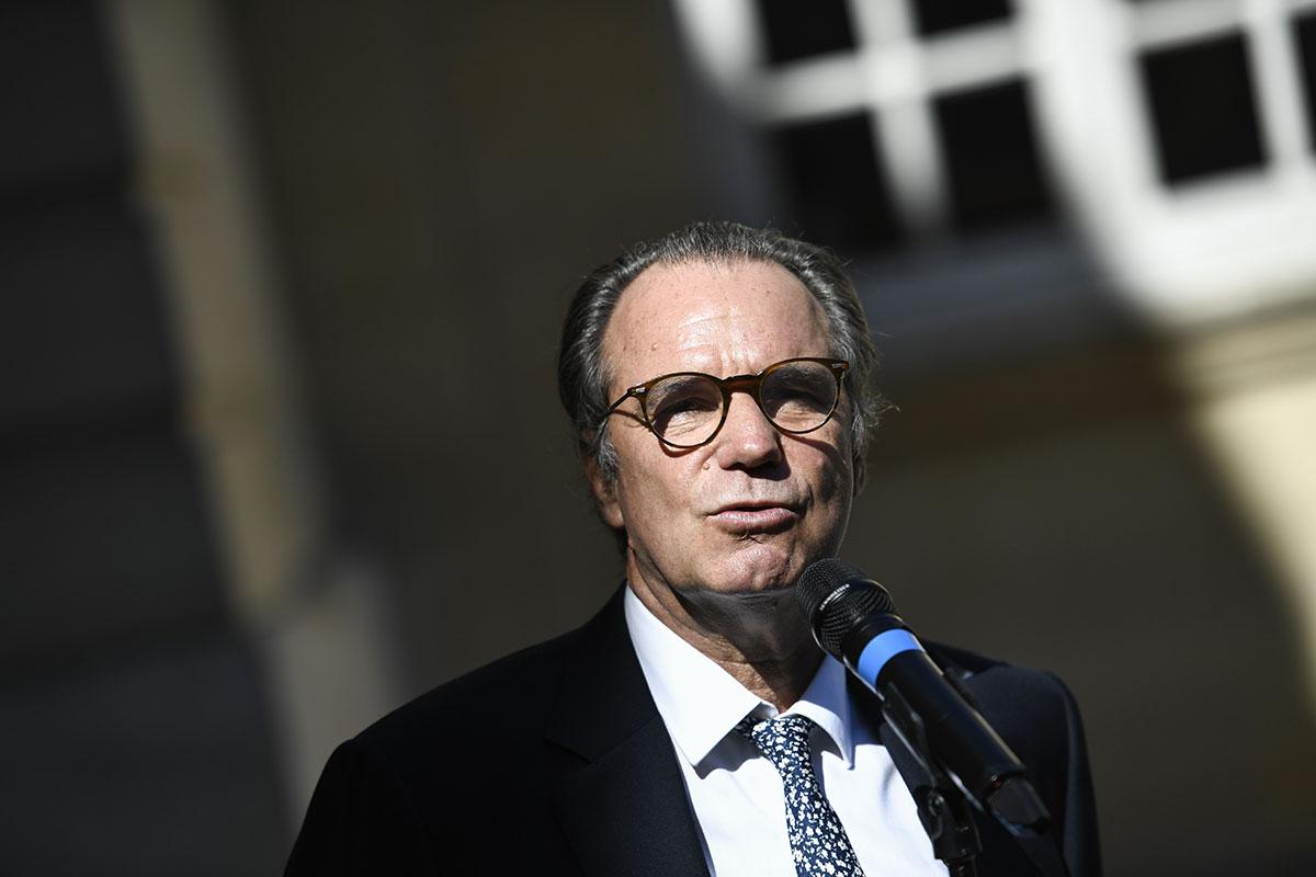 Le président de la région Provence-Alpes-Côte-d'Azur a annoncé le dépôt vendredi d'un référé liberté en justice pour empêcher la fermeture des bars et restaurants.