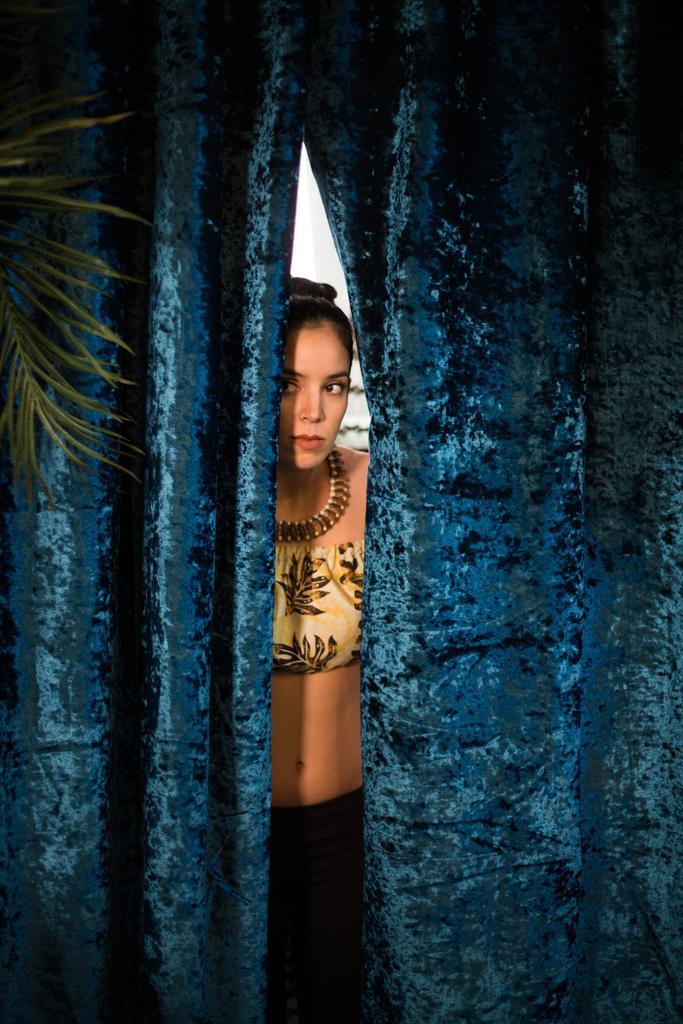 Tehani Robinson filmée, le 'aparima sublimé