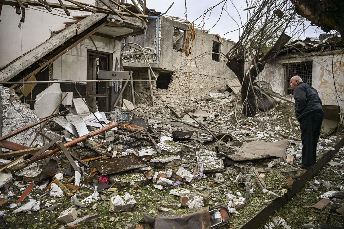 """La moitié de la population du Karabakh déplacée, Poutine veut la fin de la """"tragédie"""""""