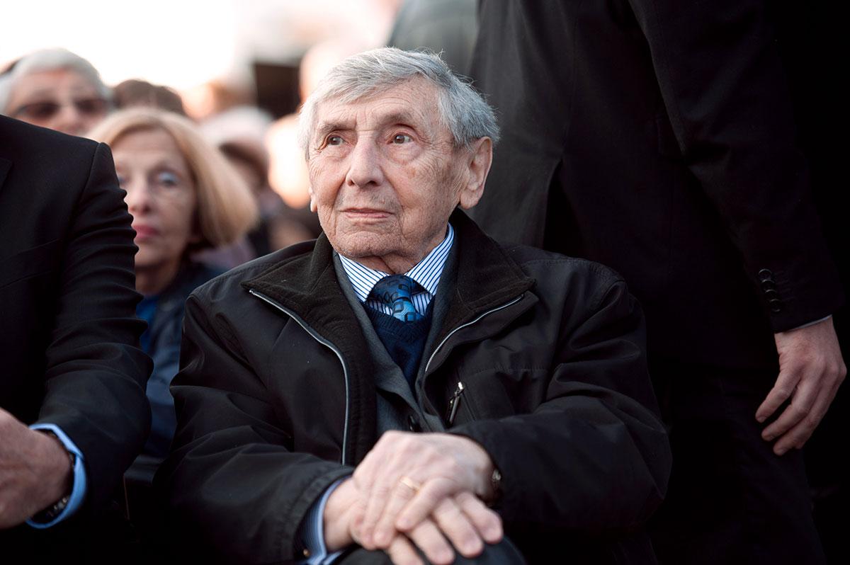 """Le rescapé de la Shoah Simon Gutman, """"mémoire d'Auschwitz"""", est mort à 97 ans"""