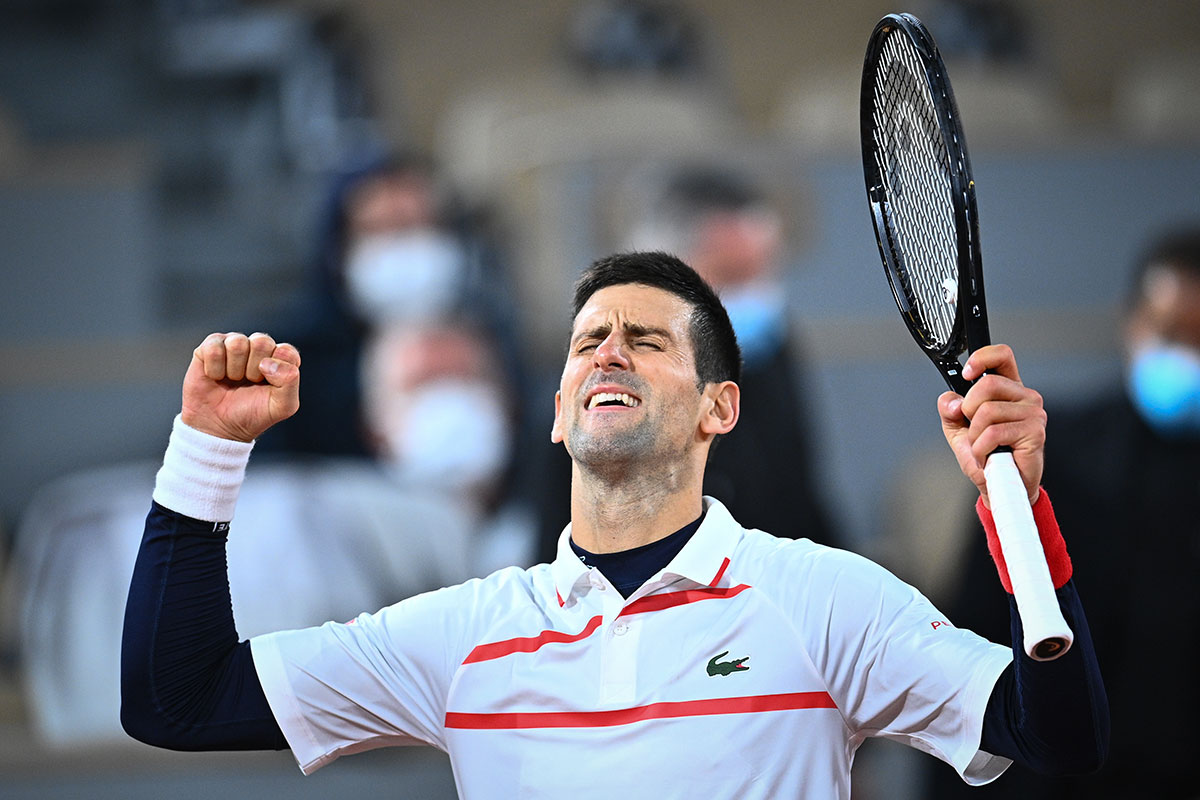 Roland-Garros: Djokovic conjure le mauvais sort dans la douleur