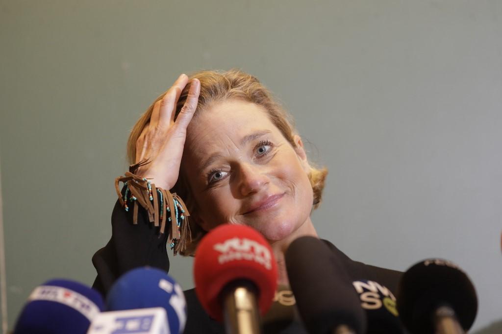 """Belgique: volte-face d'Albert II qui accueille """"sans réserve"""" sa fille naturelle"""