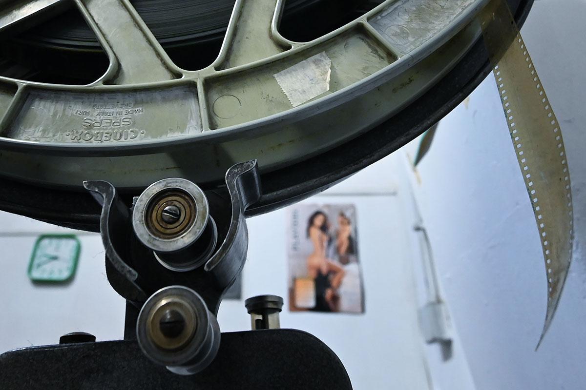 """Industrie du porno : une figure du milieu mise en examen pour """"viol"""", """"proxénétisme"""" et """"traite d'être humain"""""""
