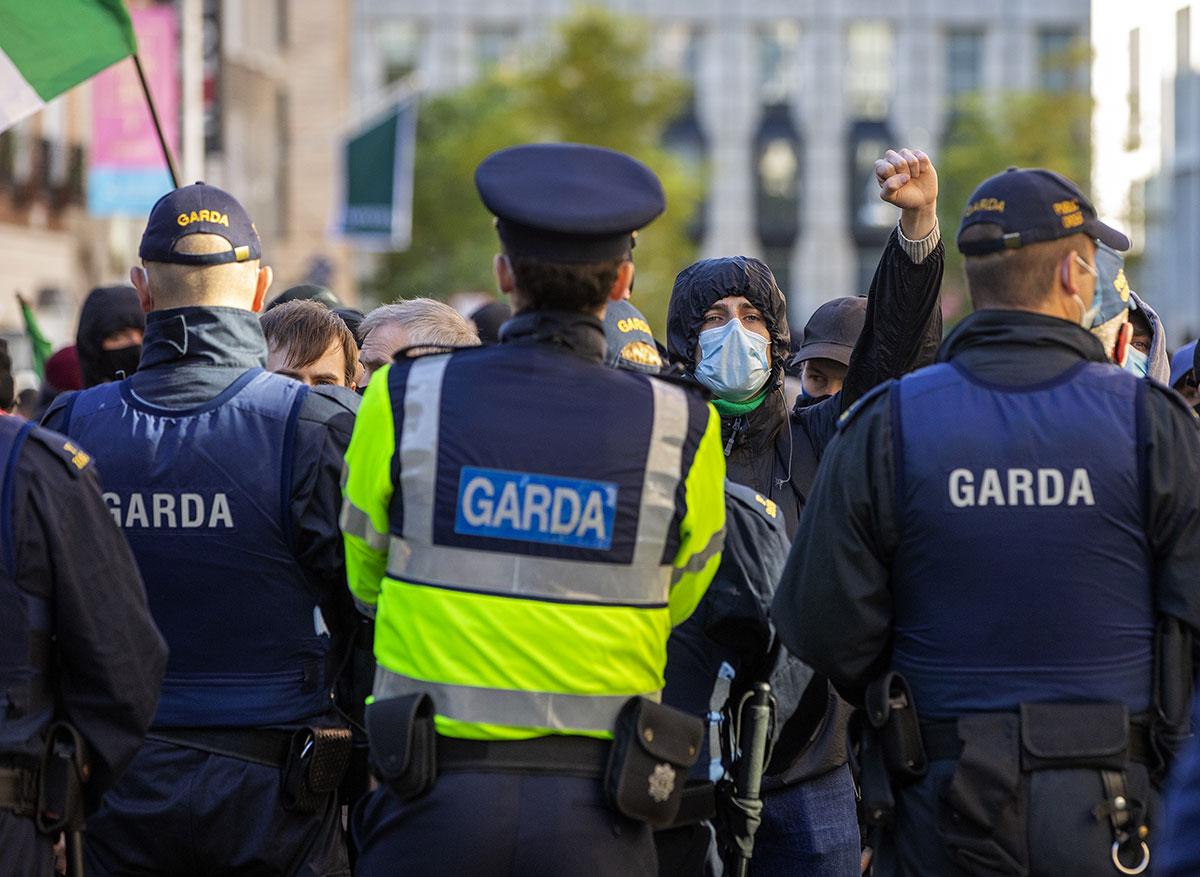 Virus: l'Irlande et le Pays de Galles reconfinent, le couvre-feu s'étend