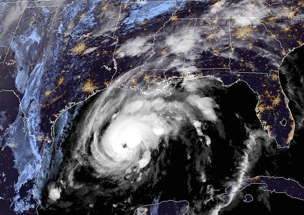 Zeta se renforce en ouragan, atteindra les côtes américaines de Louisiane ce mercredi