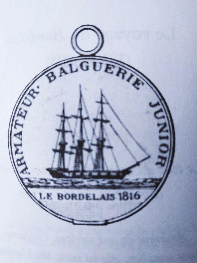 """Un cachet """"Armateur Balguerie Junior"""", avec pour symbole le trois-mâts le Bordelais."""