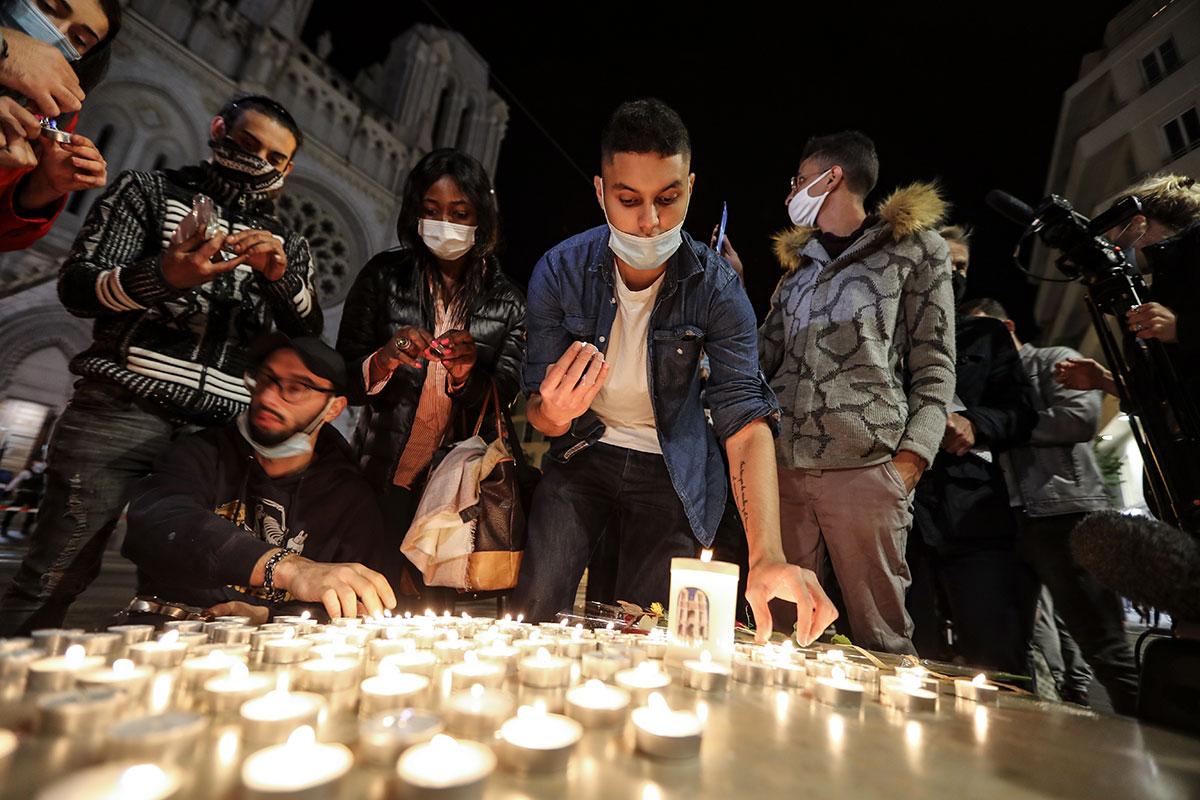 Après le choc de l'attentat de Nice, le temps de l'enquête et des décisions