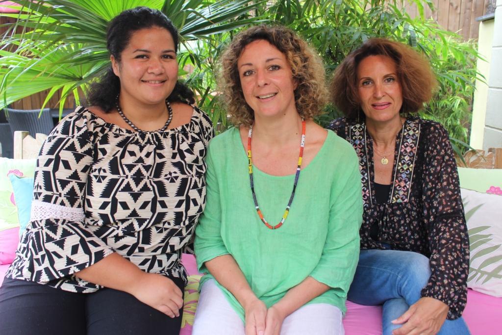 Hereiti Vairaaroa, Claire Mouraby et Valmingot (à droite).