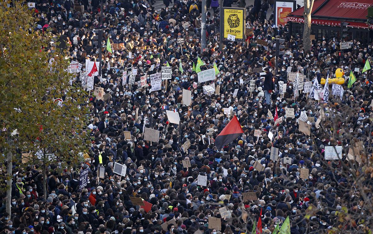 """Les """"marches des libertés"""" contre le texte de loi """"sécurité globale""""et les violences policières ont rassemblé samedi dans toute la France 500.000 manifestants, selon les organisateurs."""