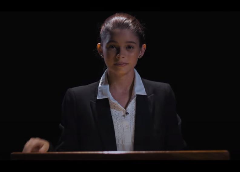 """Noémie Tahiti chante """"l'urgence"""" de """"sauver la planète"""""""