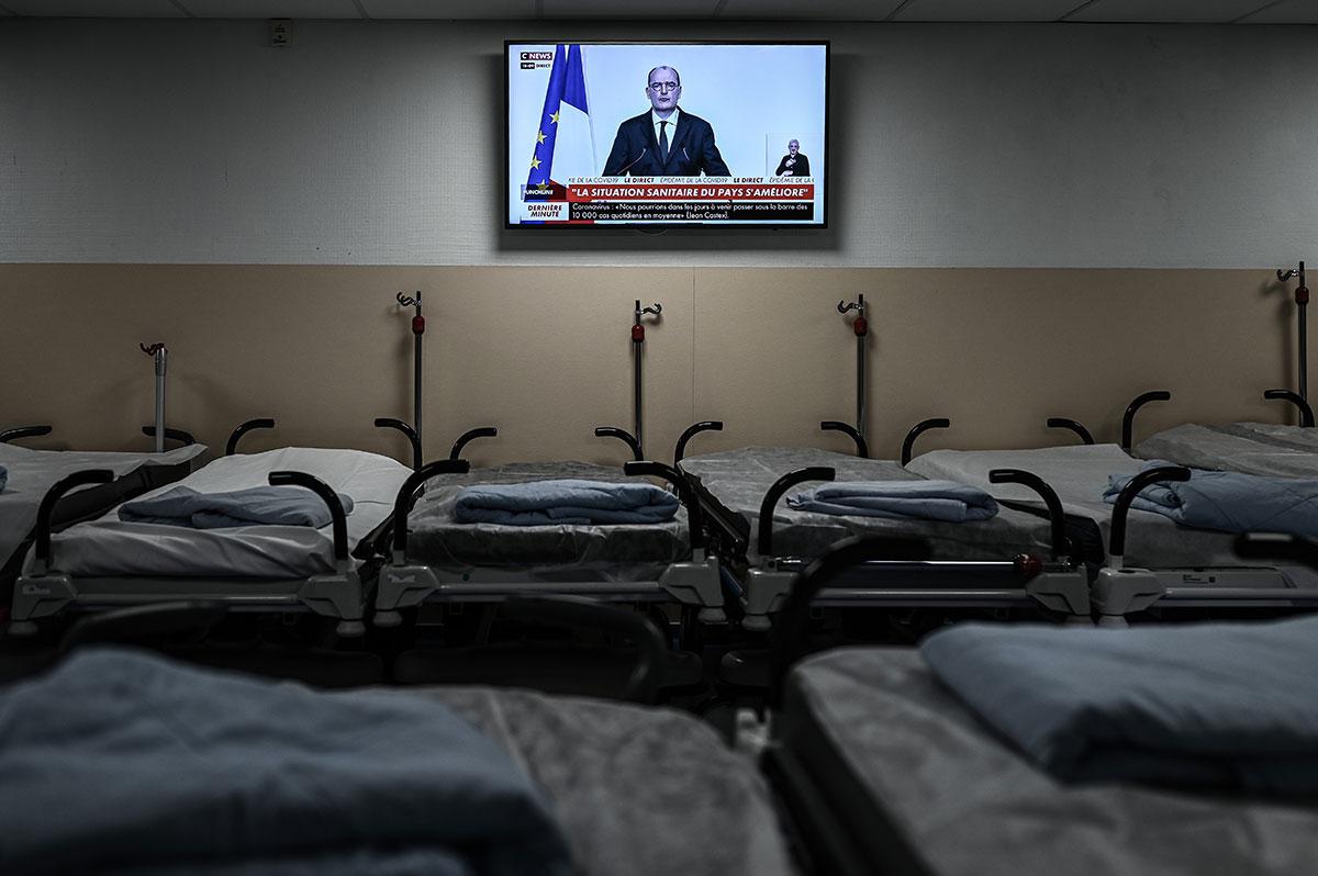 Covid-19: le cap des 5.000 cas mi-décembre s'éloigne, nouveau dilemme pour le gouvernement
