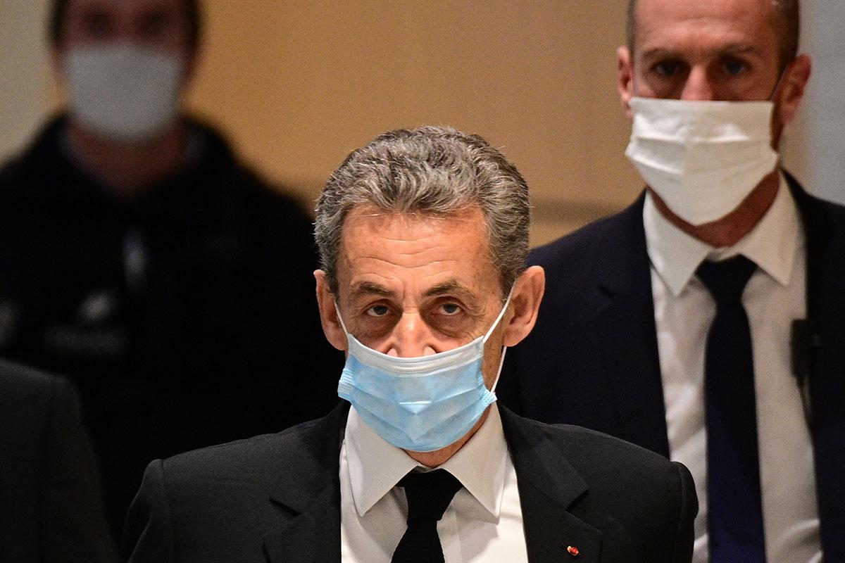 Au procès Sarkozy, la parole aux procureurs financiers