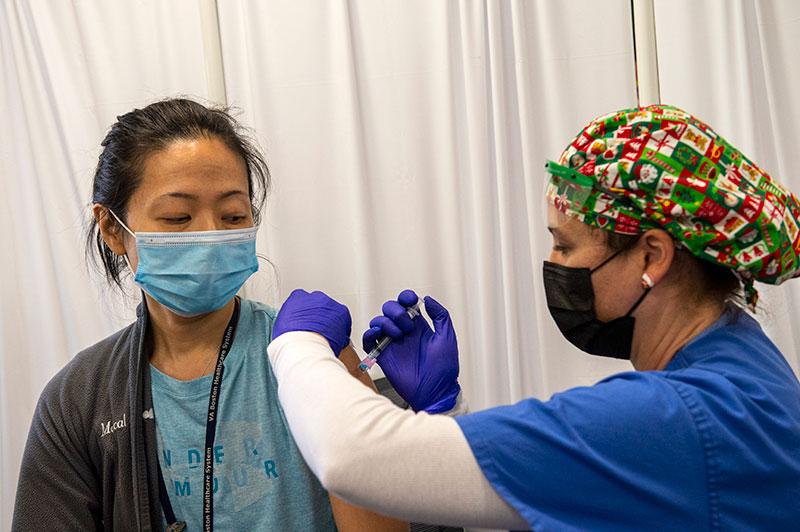 Covid-19: un million d'Américains vaccinés, en retard par rapport au calendrier