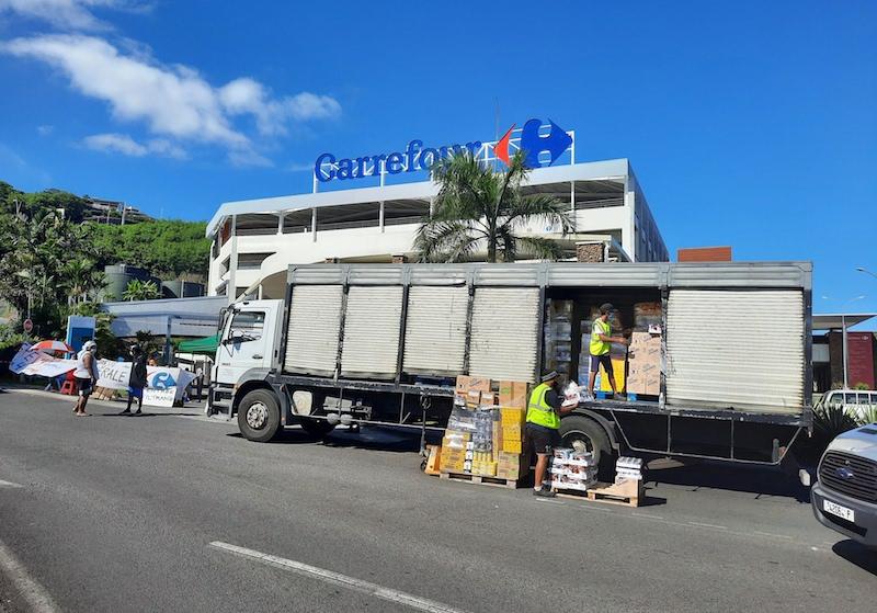 Barrages filtrants à l'entrée des Carrefour