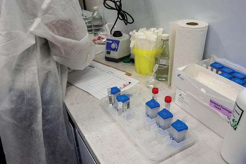 Covid-19: premier cas détecté en France du variant sud-africain