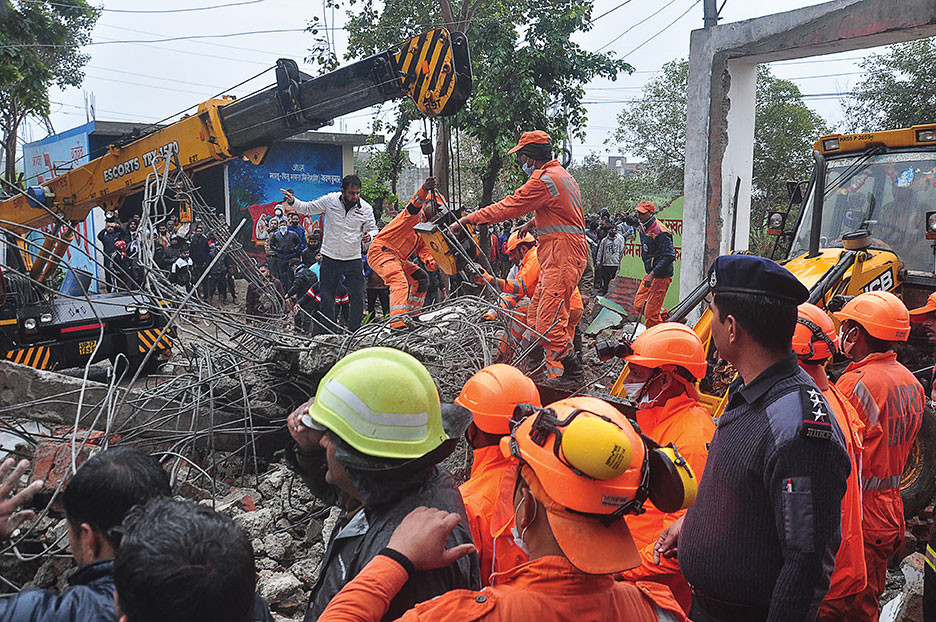 Inde: effondrement du toit d'un crématorium, au moins 20 morts