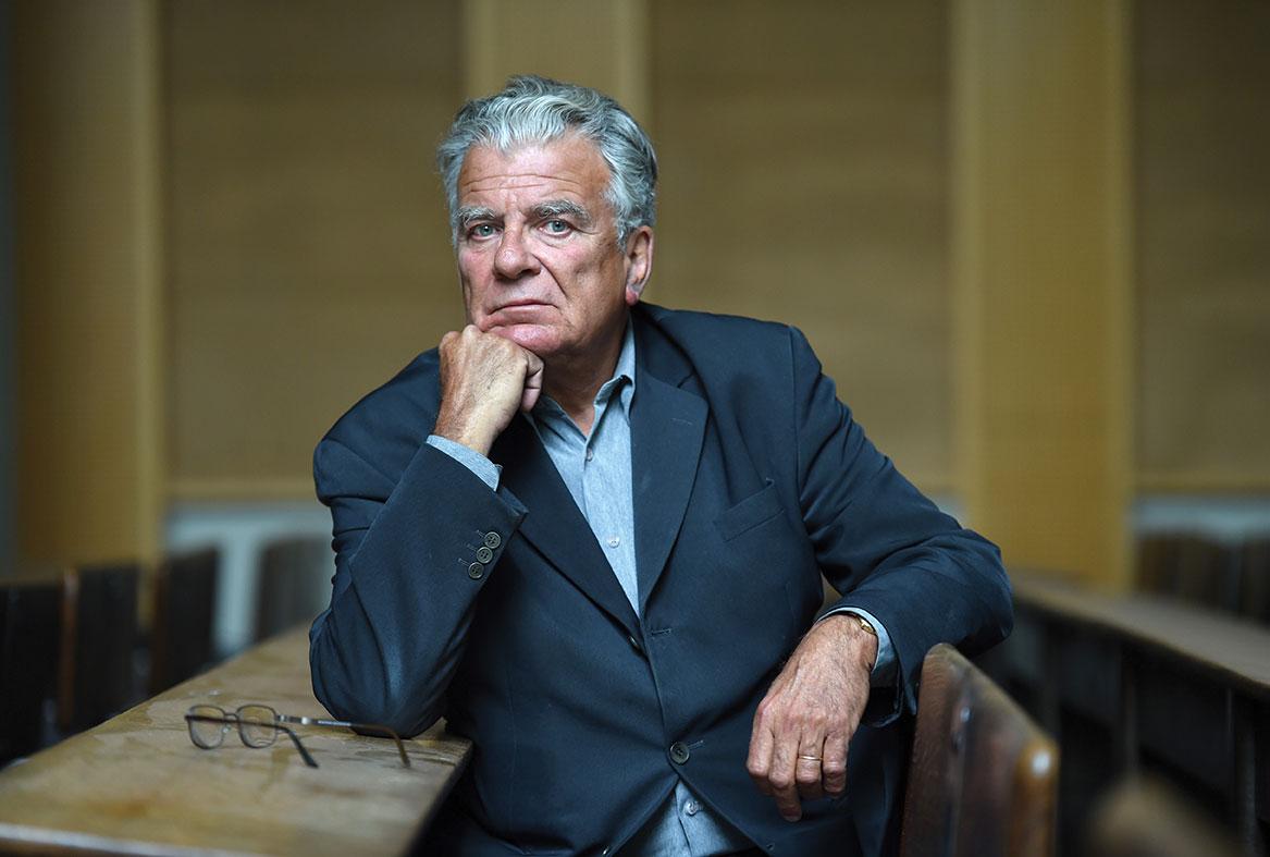 Accusé d'inceste, le politologue Olivier Duhamel démissionne de ses fonctions
