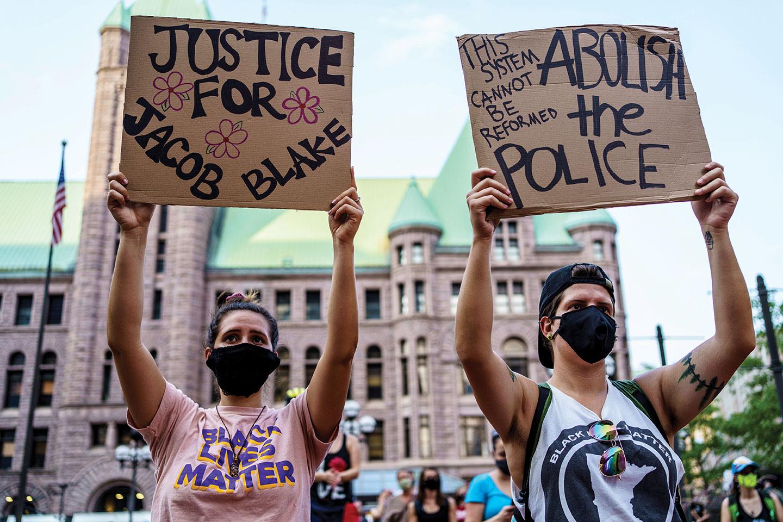 Etats-Unis: pas de poursuites contre le policier qui a tiré sur Jacob Blake