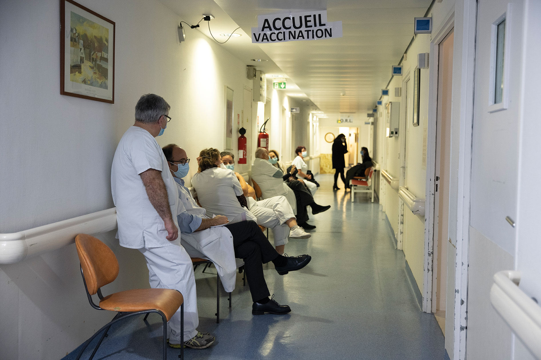"""Variant britannique du coronavirus: """"deux clusters à risque"""" détectés en France"""