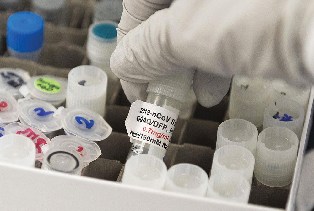 La pandémie a fortement accéléré cette semaine dans le monde