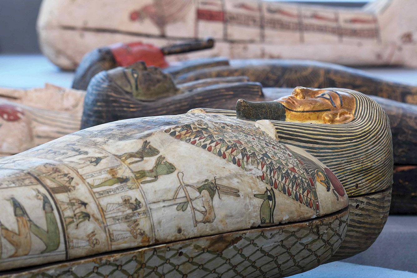 """L'Egypte dévoile des """"trésors"""" trois fois millénaires dans la nécropole de Saqqara"""