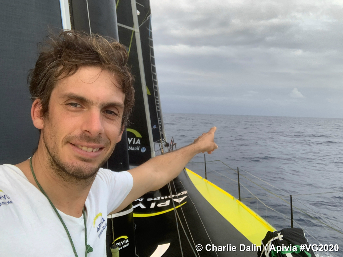 Vendée Globe: Dalin file devant Burton
