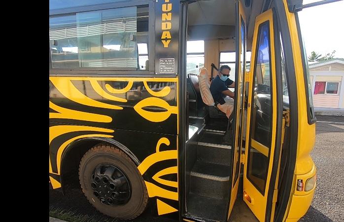Les bus remplacent lentement les trucks à Raiatea