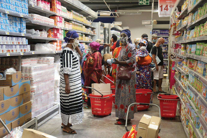 Covid-19: reconfinement à Mayotte pour au moins trois semaines