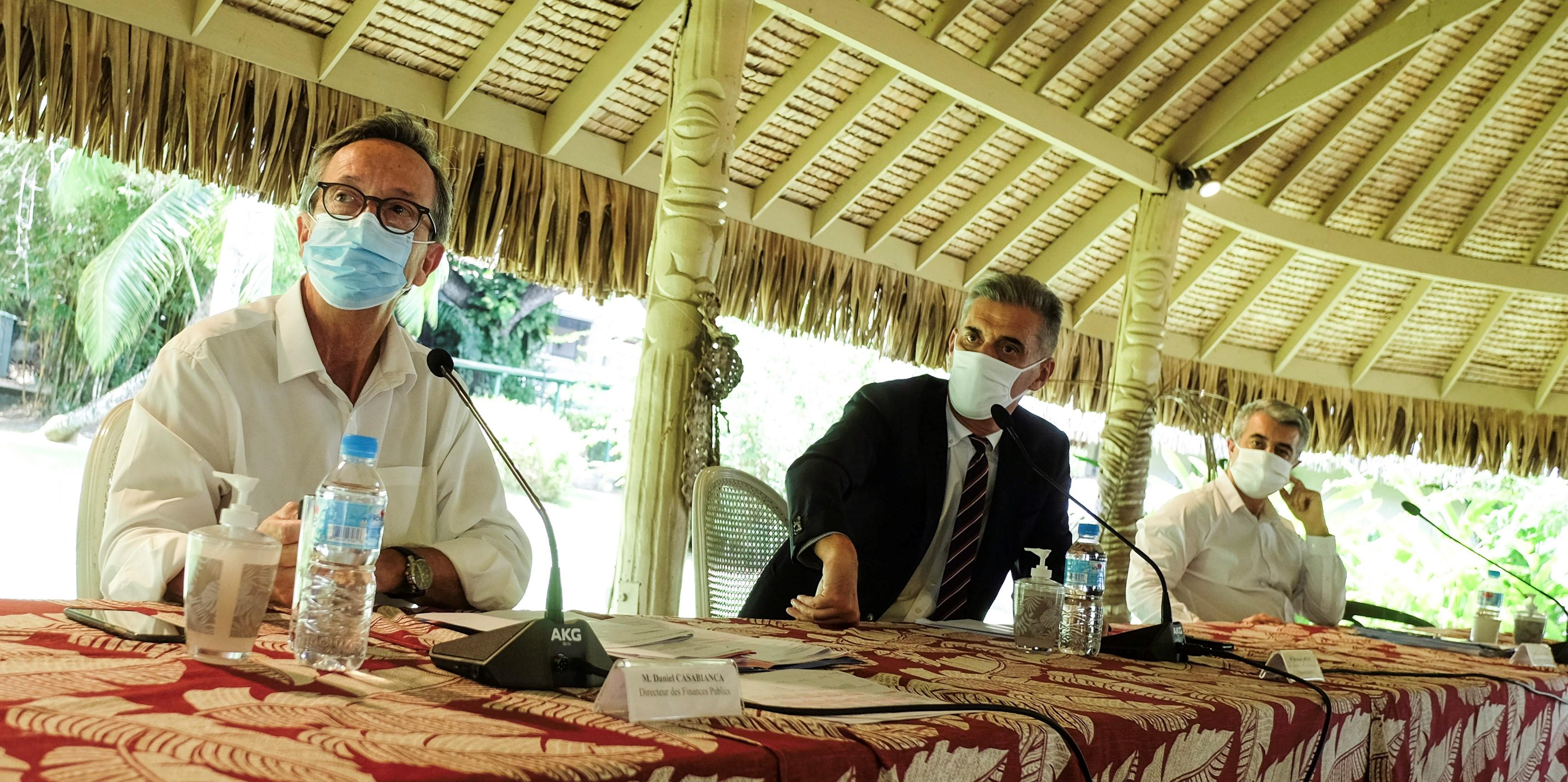 """""""L'objectif c'est de donner un bouclier aux entreprises, pour les protéger et les aider à passer ce cap très difficile lié notamment à l'arrêt de l'activité touristique sur le territoire"""", a insisté Dominique Sorain, haut-commissaire de la République."""
