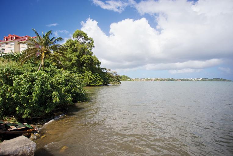 Crue d'une rivière en Guadeloupe: le corps du dernier disparu retrouvé