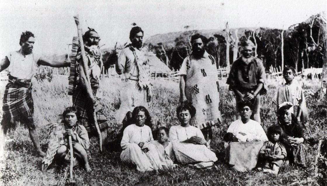 On a longtemps cru que les Morioris étaient venus directement de l'actuelle Polynésie française; en réalité tout indique qu'ils étaient originaires de la Nouvelle-Zélande aux alentours de l'an 1500.