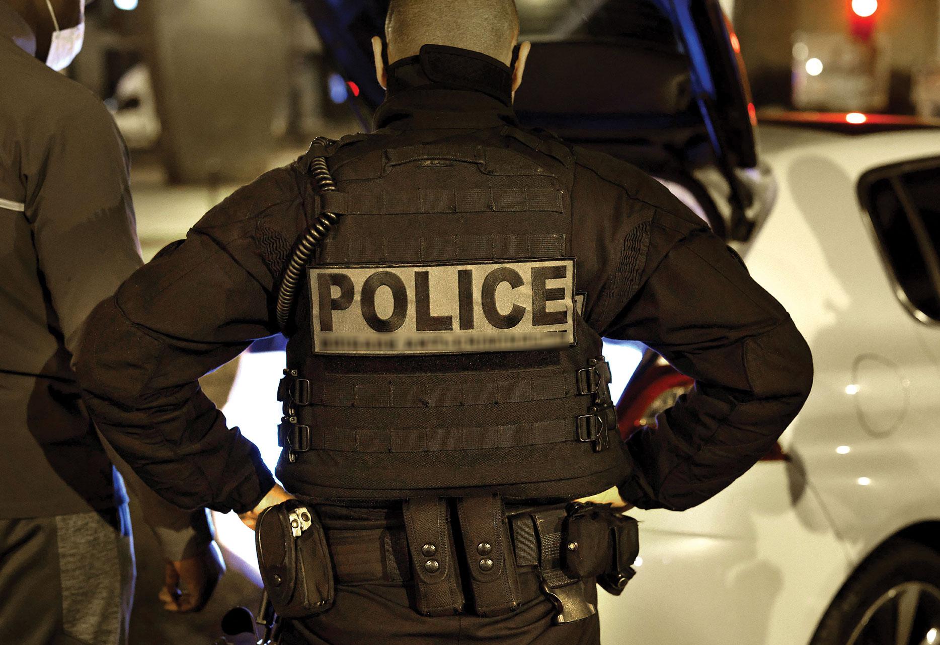 """Seine-Saint-Denis: huit policiers en garde à vue pour """"violences"""" et """"détention de stupéfiants"""""""
