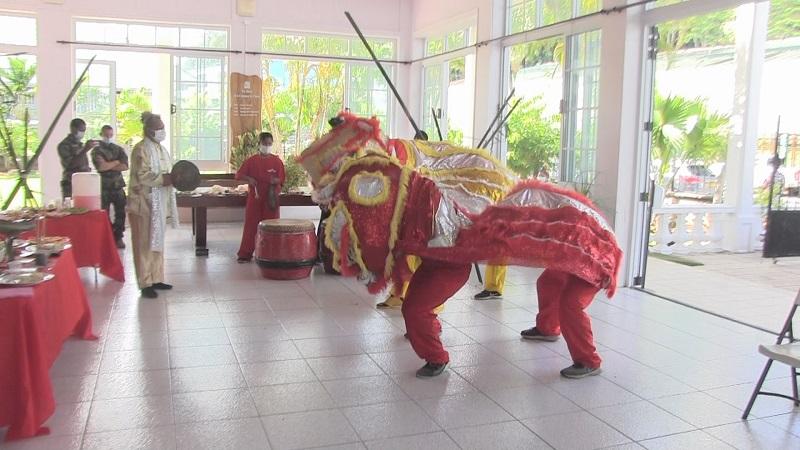 Uturoa réveille le lion pour le Nouvel An