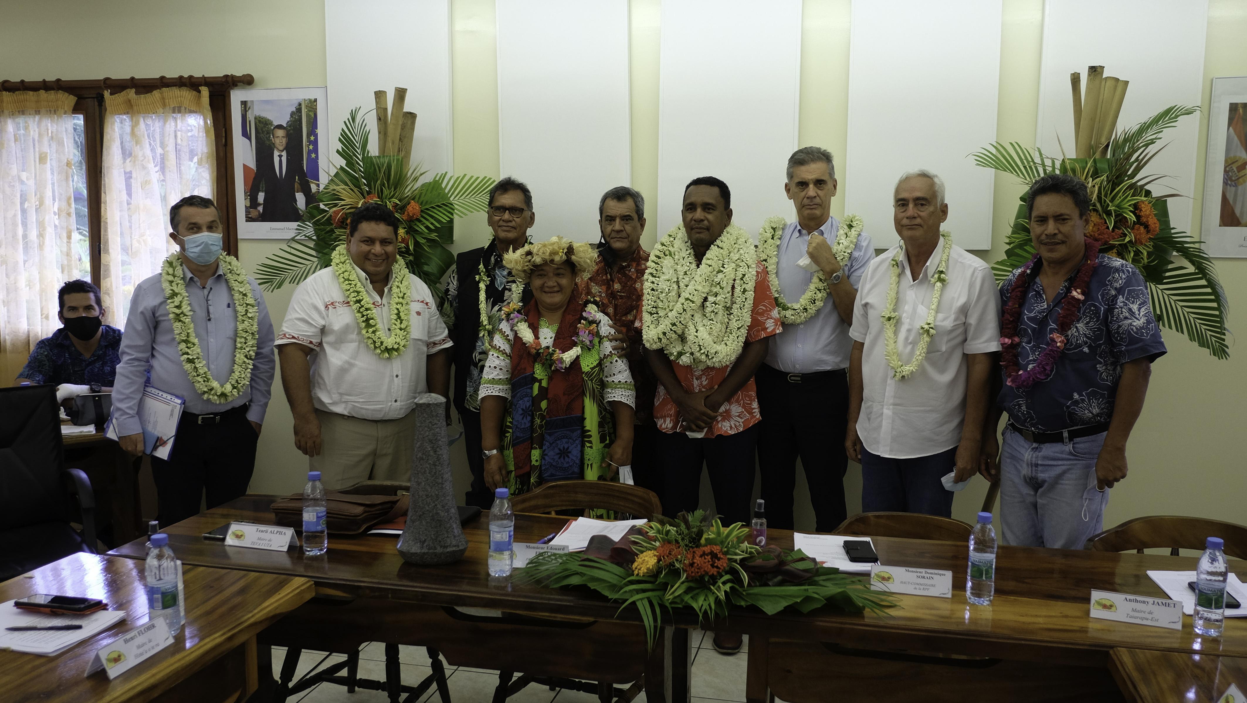 Tearii Alpha, vice-président du Pays mais également maire de Teva i Uta, était le seul  candidat à se présenter et a donc logiquement été élu à l'unanimité premier président de Terehēamanu.