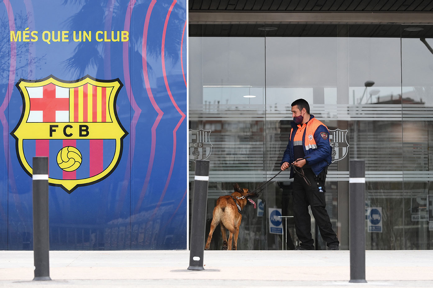 """""""Barçagate"""": l'ex-président du FC Barcelone Bartomeu relâché mais l'enquête se poursuit"""