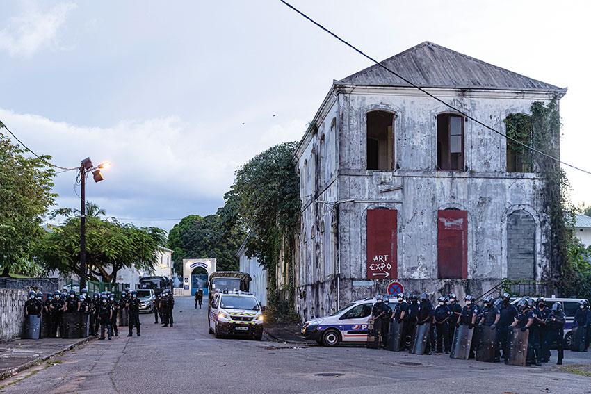 Guyane: quatre personnes renvoyées en correctionnelle pour dégradation de la préfecture