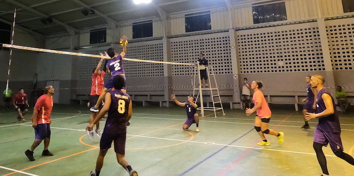 ​Reprise de volley à Raiatea