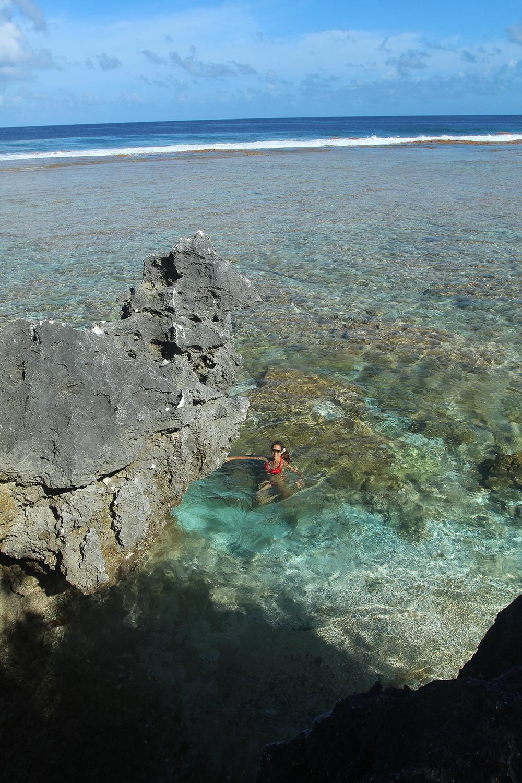C'est dans cette piscine que l'océan remplit généreusement que se baignait la princesse Hina.