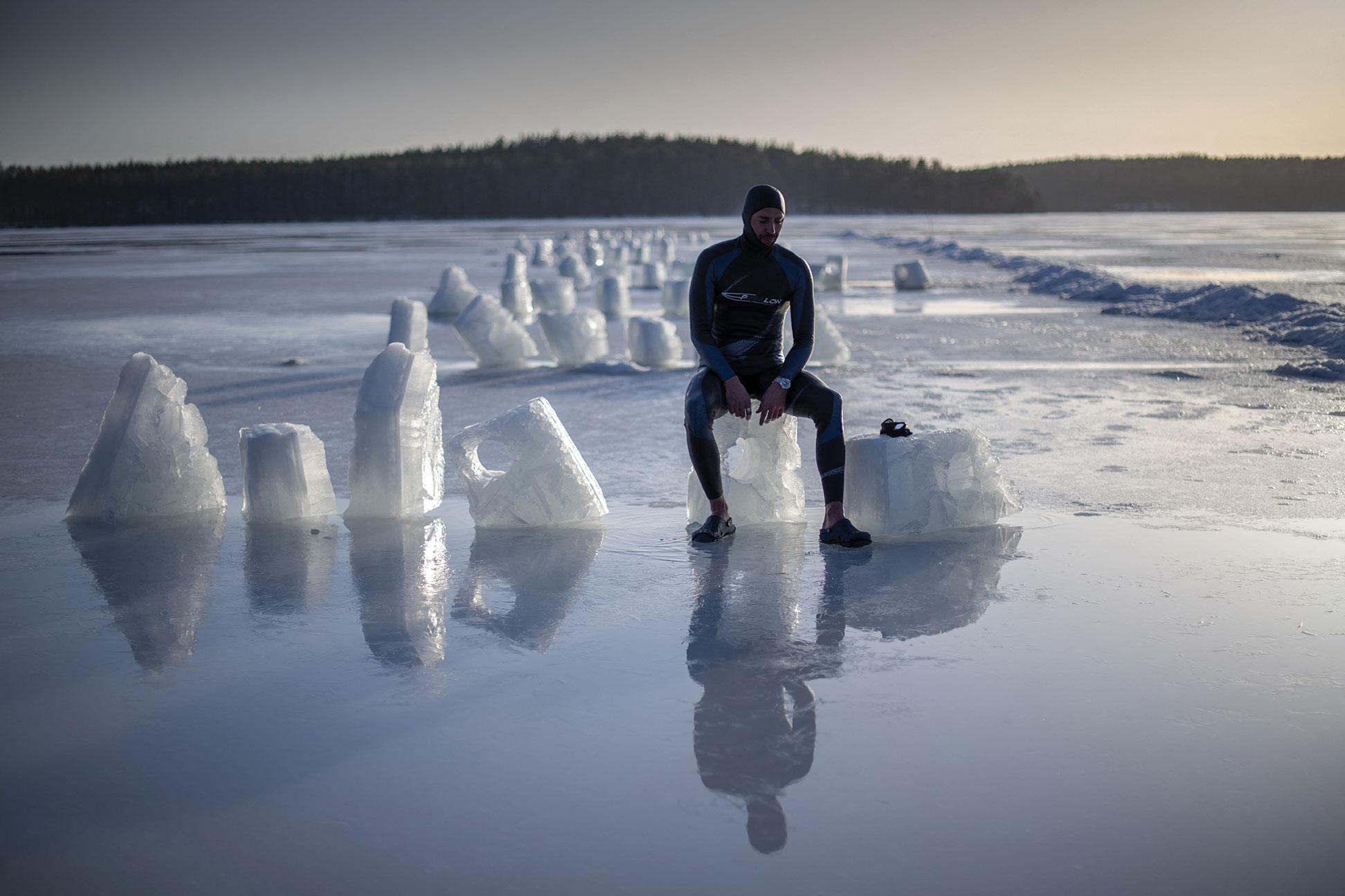 """L'apnée sous glace, à l'aube de son """"Grand Bleu"""""""
